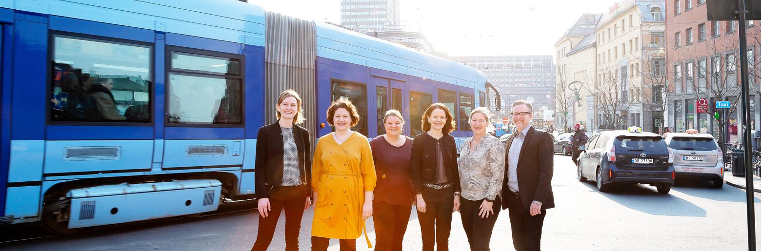 Fra venstre, Tine Marthinus i Sopra Steria, Maja Cimmerbeck og Anette Bjerke i Bymiljøetaten, Siân Ambrose i Ruter, Kaisa Froyn i Statens vegvesen og Kristian Bjørnhaug i Sopra Steria.